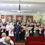 Ибрагим Таймасханов поздравил женскую часть коллектива с праздником.